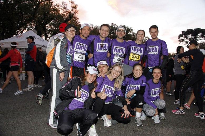 Integrantes da Magic Run deram um show na Meia Maratona de Curitiba