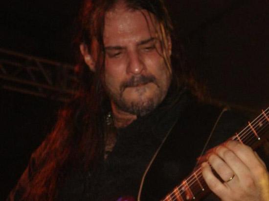 André Hernandes, a lenda da guitarra, vai tocar na Festa Magic 15 Anos