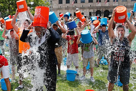 ice-bucket-challenge-Magic