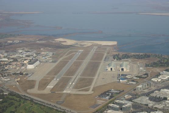 A base de Moffett possui 4 milhões de metros quadrados