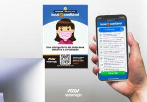 mão segurando um celular, na tela uma landing page Local Confiável, ao fundo um cartão Local Confiável